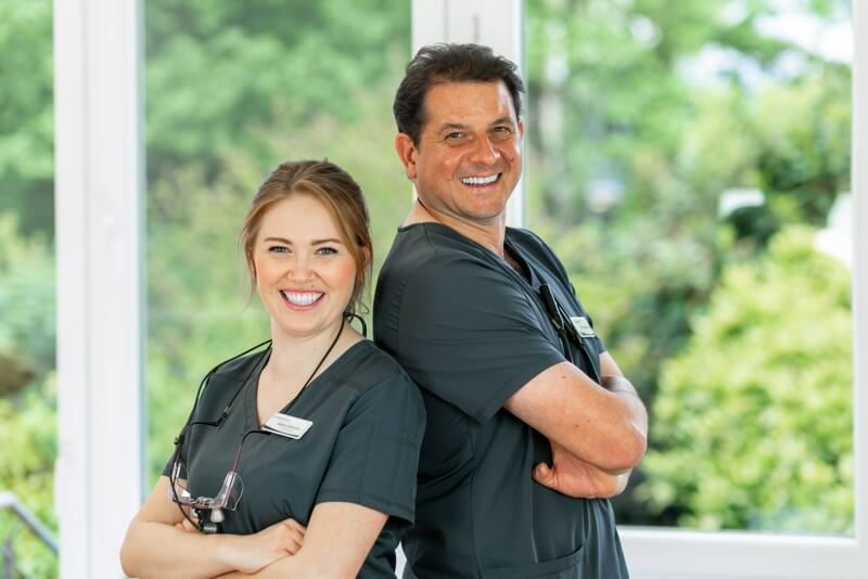 Zahnarzt Dr. Haske behandelt Schmerzpatienten